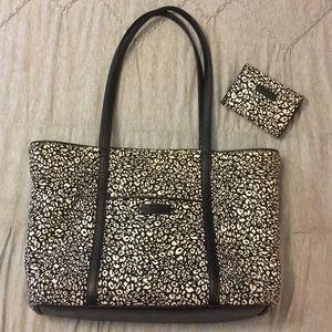 Vera Bradley Iconic Vera Tote Bag - White Camocat